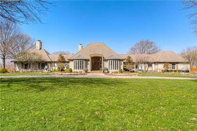 17900 Berryhill Drive, Stilwell, KS 66085 (#2311841) :: Team Real Estate