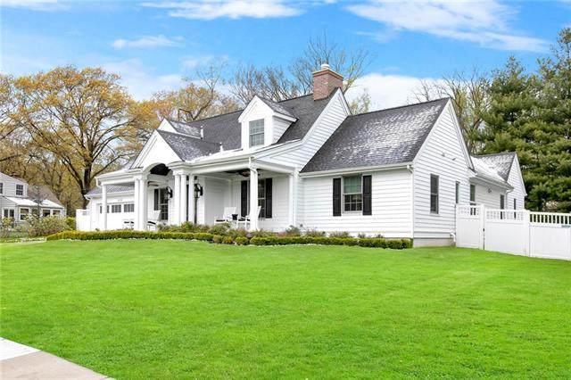 4626 Tomahawk Road, Prairie Village, KS 66208 (#2311957) :: The Kedish Group at Keller Williams Realty