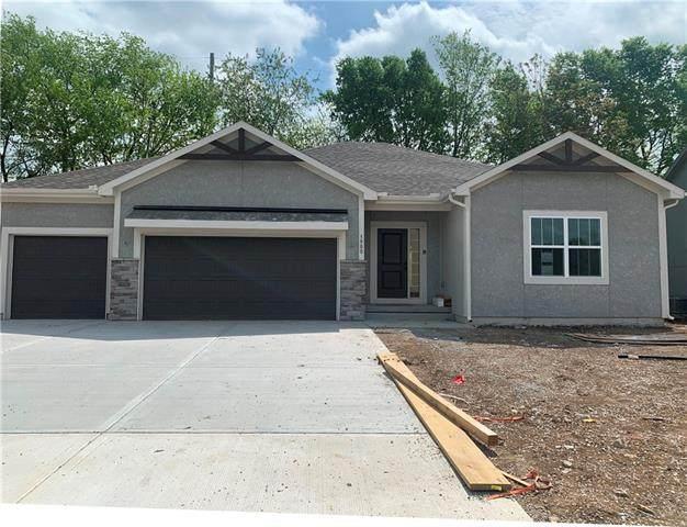3900 SE Adams Drive, Blue Springs, MO 64014 (#2312685) :: The Kedish Group at Keller Williams Realty
