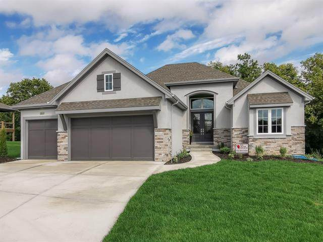 17317 Stearns Street, Overland Park, KS 66221 (#2312860) :: Five-Star Homes