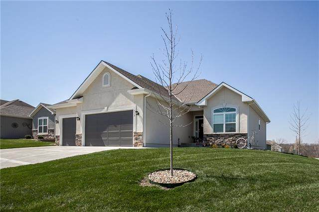 312 Crestview Court, Raymore, MO 64083 (MLS #2313190) :: Stone & Story Real Estate Group