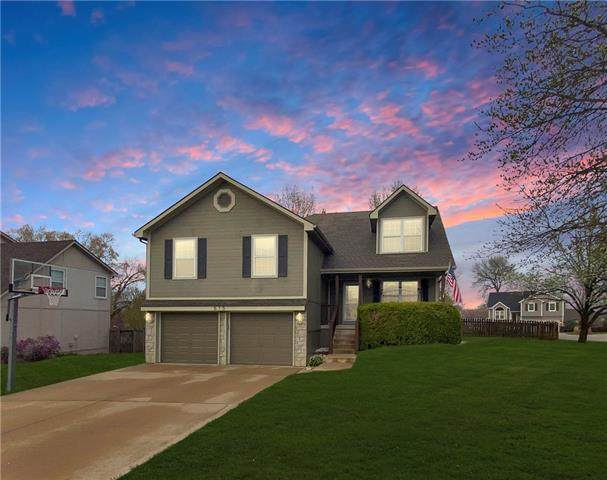 515 NE Field Creek Drive, Blue Springs, MO 64014 (#2313886) :: Five-Star Homes