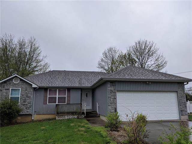 2 SE 140th Road, Warrensburg, MO 64093 (#2313956) :: The Rucker Group