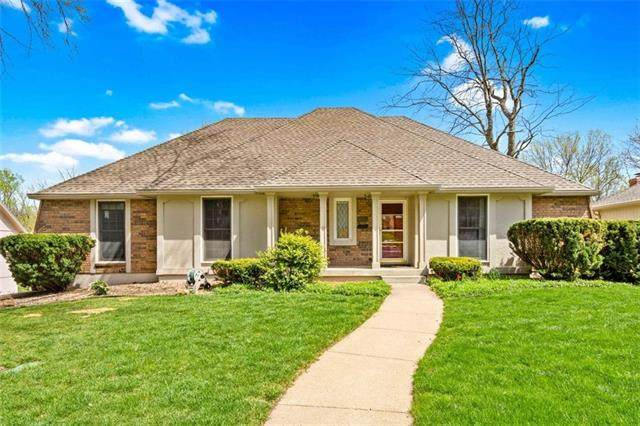 1616 NW Weatherstone Drive, Blue Springs, MO 64015 (#2314513) :: Five-Star Homes