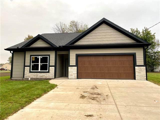 917 S Main Street, Wellsville, KS 66092 (#2315398) :: Team Real Estate