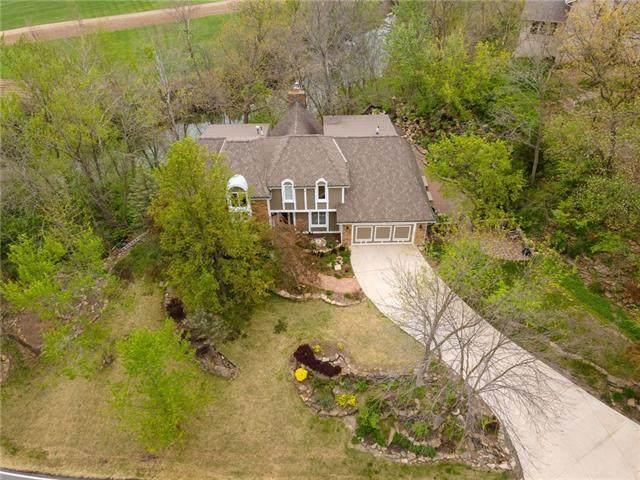 2852 W 160th Terrace, Stilwell, KS 66085 (MLS #2317094) :: Stone & Story Real Estate Group
