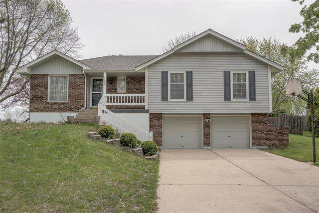 4404 SW 8 Terrace, Blue Springs, MO 64015 (#2317358) :: The Rucker Group