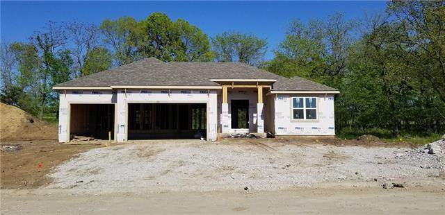 11115 N Hull Avenue, Kansas City, MO 64154 (#2317481) :: Team Real Estate