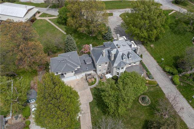 1 Hawthorne Place, Independence, MO 64052 (MLS #2317548) :: Stone & Story Real Estate Group