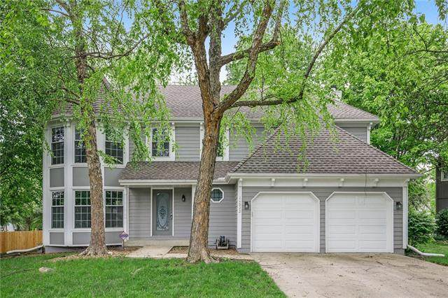 14022 W 113th Terrace, Olathe, KS 66215 (#2318068) :: Edie Waters Network