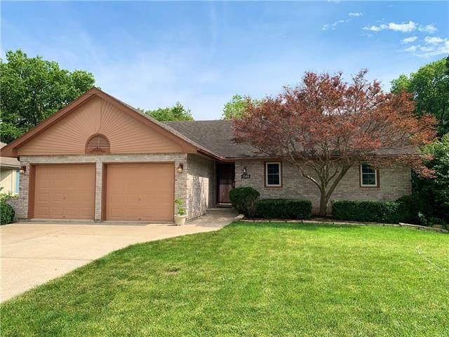 1505 NE Tawny Drive, Lee's Summit, MO 64086 (#2318386) :: Five-Star Homes