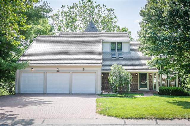 4931 Riverchase Lane, Parkville, MO 64151 (#2319146) :: Edie Waters Network