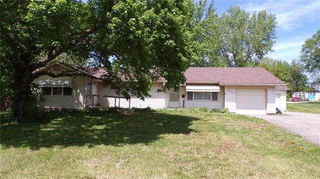 508 Atchison Street, Oskaloosa, KS 66066 (#2319179) :: Eric Craig Real Estate Team