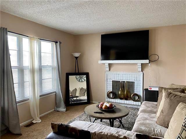 14010 Ballantrae Drive, Grandview, MO 64030 (#2319380) :: Audra Heller and Associates