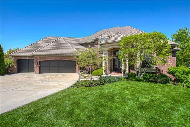 10452 S Oakcrest Lane, Olathe, KS 66061 (#2320937) :: Tradition Home Group | Better Homes and Gardens Kansas City