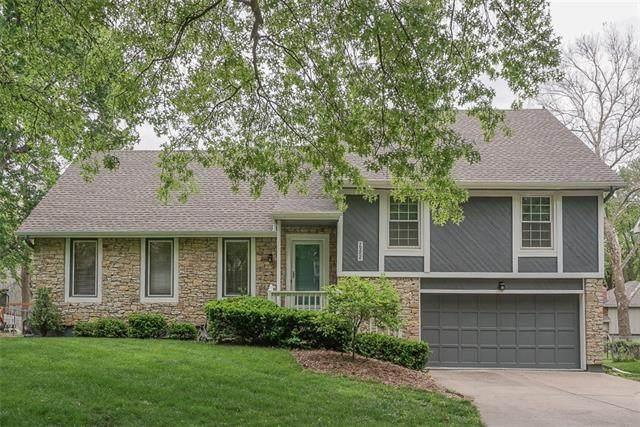 9025 Alden Street, Lenexa, KS 66215 (#2321065) :: Eric Craig Real Estate Team