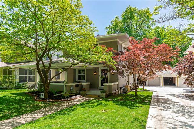 609 W 59 Terrace, Kansas City, MO 64113 (#2321316) :: Dani Beyer Real Estate
