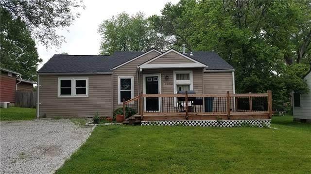 4453 N Walrond Avenue, Kansas City, MO 64117 (#2321701) :: Five-Star Homes