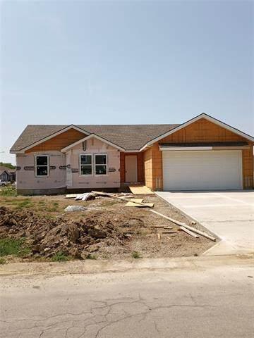 3200 Steel Wheel Drive, Harrisonville, MO 64701 (#2322184) :: Ron Henderson & Associates