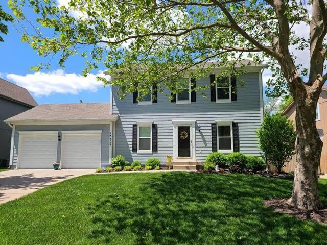 15426 S Brookfield Street, Olathe, KS 66062 (#2322962) :: Five-Star Homes