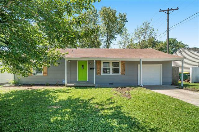 11305 W 70th Street, Shawnee, KS 66203 (#2323901) :: Team Real Estate