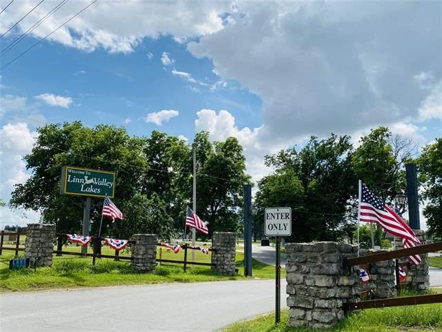 201 Foothills Trail, Linn Valley, KS 66040 (#2324088) :: Ask Cathy Marketing Group, LLC