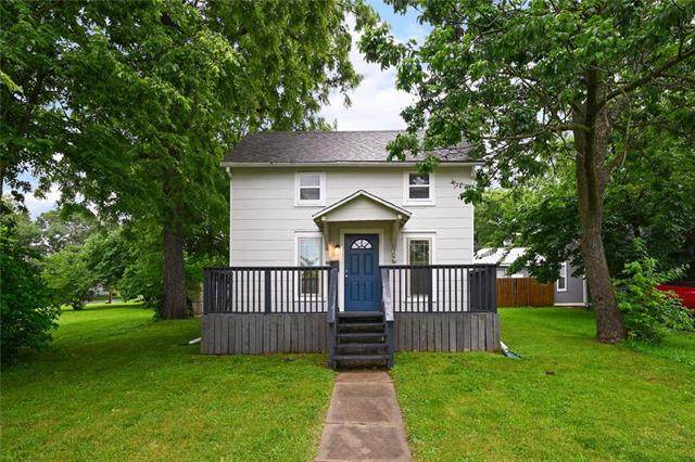 307 3rd Street, Belton, MO 64012 (#2324951) :: Team Real Estate
