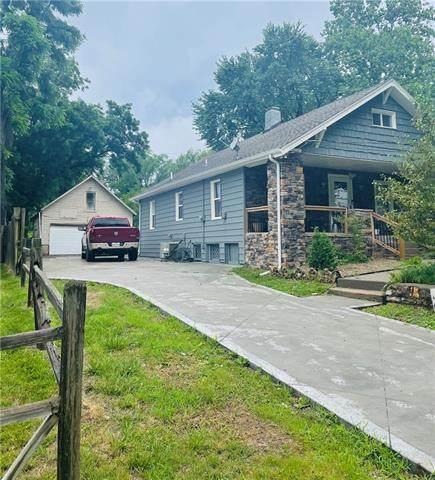 2916 N 52nd Street, Kansas City, KS 66104 (#2325028) :: Five-Star Homes