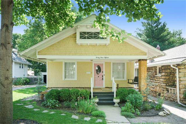 4415 Fairmount Avenue, Kansas City, MO 64111 (#2325311) :: The Kedish Group at Keller Williams Realty
