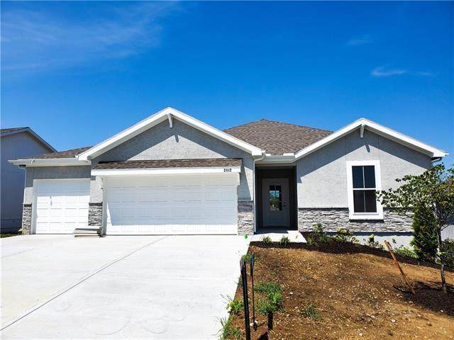 2012 Creek View Lane, Raymore, MO 64083 (#2325741) :: Dani Beyer Real Estate