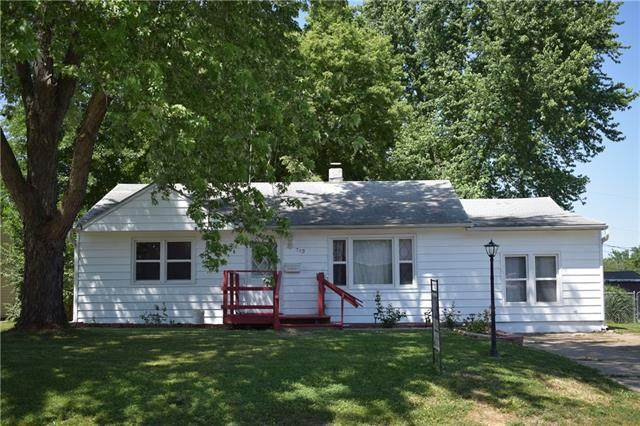 713 Vest Drive, Warrensburg, MO 64093 (MLS #2326501) :: Stone & Story Real Estate Group