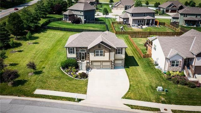 17140 NW 133rd Street, Platte City, MO 64079 (#2327406) :: Eric Craig Real Estate Team