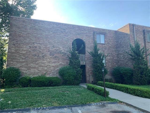 1716 E 97th Street A, Kansas City, MO 64131 (#2327761) :: Dani Beyer Real Estate