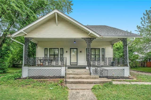 107 E Hale Street, Spring Hill, KS 66083 (#2327887) :: Ask Cathy Marketing Group, LLC