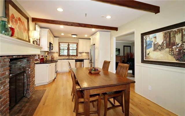 10006 Linden Street, Overland Park, KS 66207 (MLS #2327984) :: Stone & Story Real Estate Group