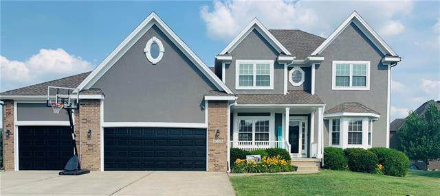 4001 SW Boulder Drive, Lee's Summit, MO 64082 (MLS #2328729) :: Stone & Story Real Estate Group