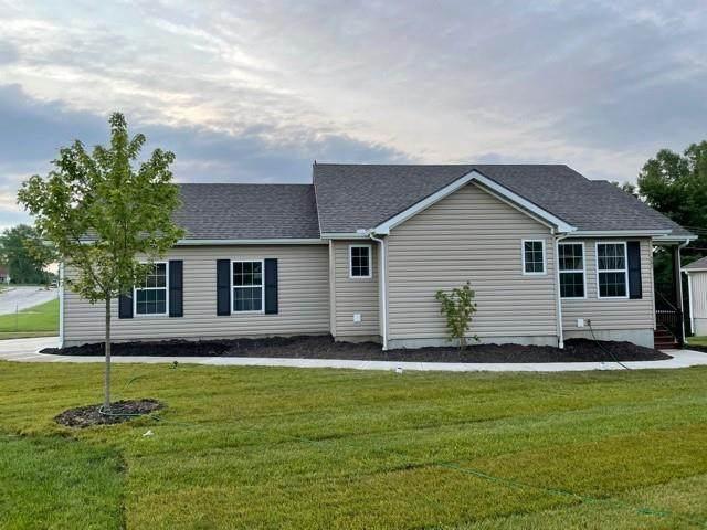 501 Village Lane, Harrisonville, MO 64701 (#2329102) :: ReeceNichols Realtors