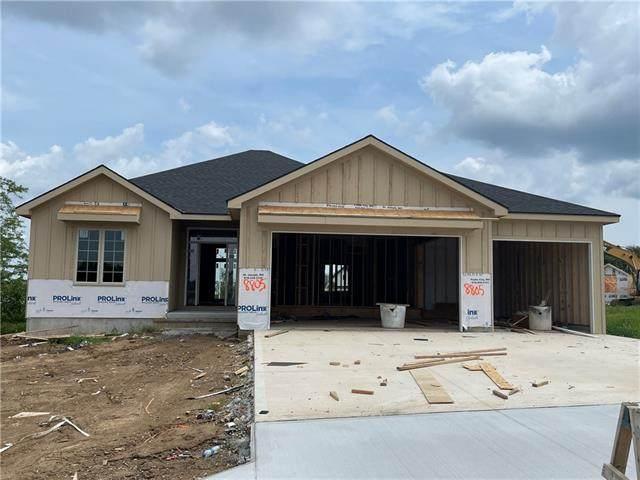 8805 N Elmwood Avenue, Kansas City, MO 64156 (MLS #2329415) :: Stone & Story Real Estate Group