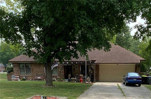 401 S Halsey Avenue, Harrisonville, MO 64701 (#2329678) :: Tradition Home Group | Compass Realty Group