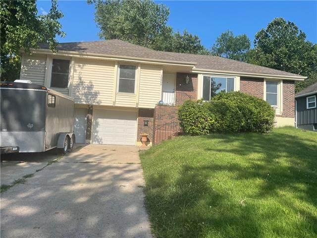 10805 Bellaire Avenue, Kansas City, MO 64134 (#2330212) :: Ron Henderson & Associates