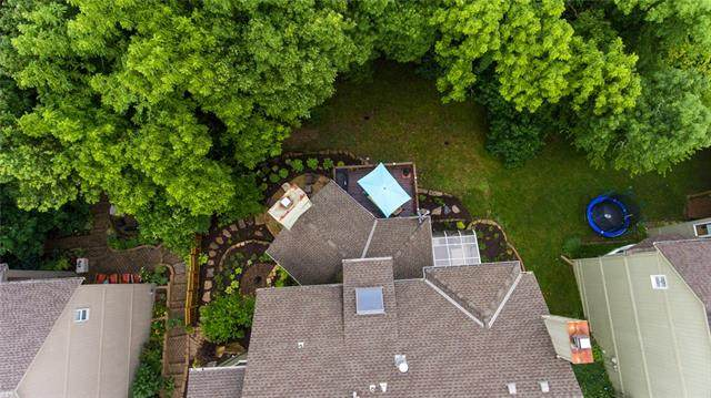6721 NW Monticello Terrace, Parkville, MO 64152 (#2330303) :: The Kedish Group at Keller Williams Realty