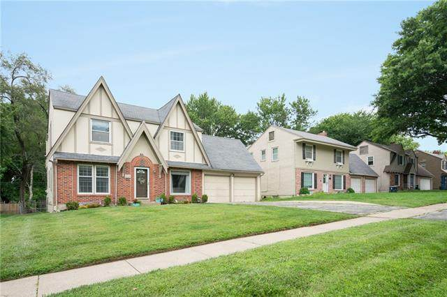 8020 Holmes Road, Kansas City, MO 64131 (#2330687) :: Audra Heller and Associates