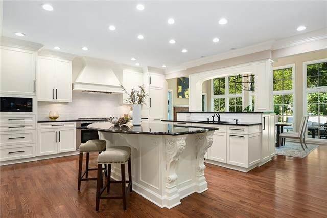 12660 Sherwood Drive, Leawood, KS 66209 (#2331521) :: Dani Beyer Real Estate