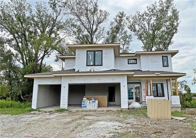 8964 Greeley Street, Lenexa, KS 66227 (#2331619) :: Dani Beyer Real Estate