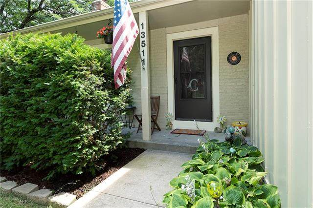 13511 W 78TH Street, Lenexa, KS 66215 (#2332492) :: Audra Heller and Associates
