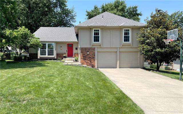 12108 Summit Street, Kansas City, MO 64145 (#2332553) :: Ron Henderson & Associates