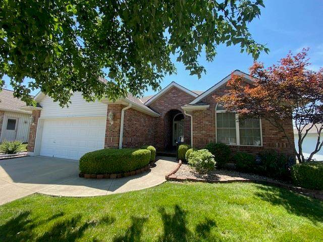 3212 S Victoria Drive, Blue Springs, MO 64015 (#2332754) :: Five-Star Homes