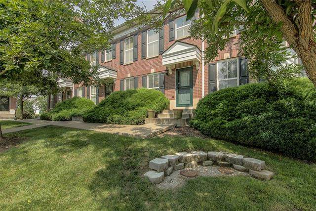 3462 SW Wysteria Terrace, Lee's Summit, MO 64082 (#2332953) :: Tradition Home Group | Compass Realty Group