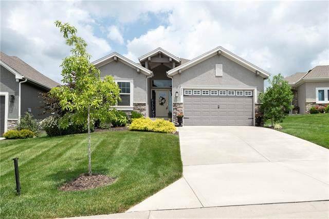 9885 Garden Street, Lenexa, KS 66227 (#2333206) :: Eric Craig Real Estate Team