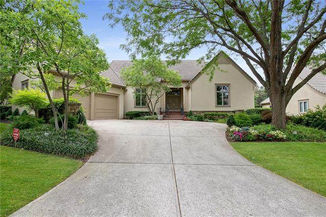 2107 W 116th Street W, Leawood, KS 66211 (#2333221) :: Austin Home Team